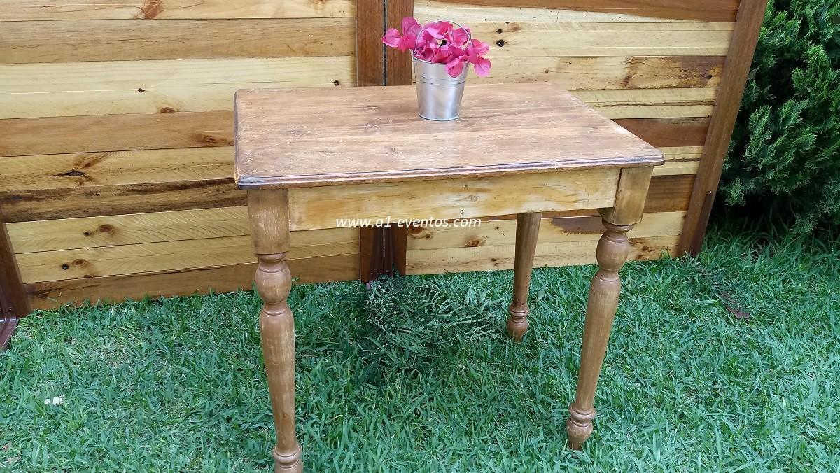 mesa rustica pequeña 1